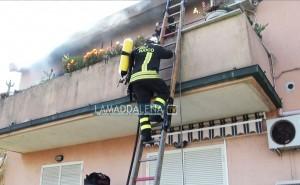 A fuoco un'abitazione