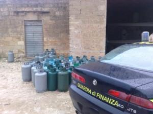 1396861590-sequestrato-un-deposito-abusivo-di-bombole-di-gas