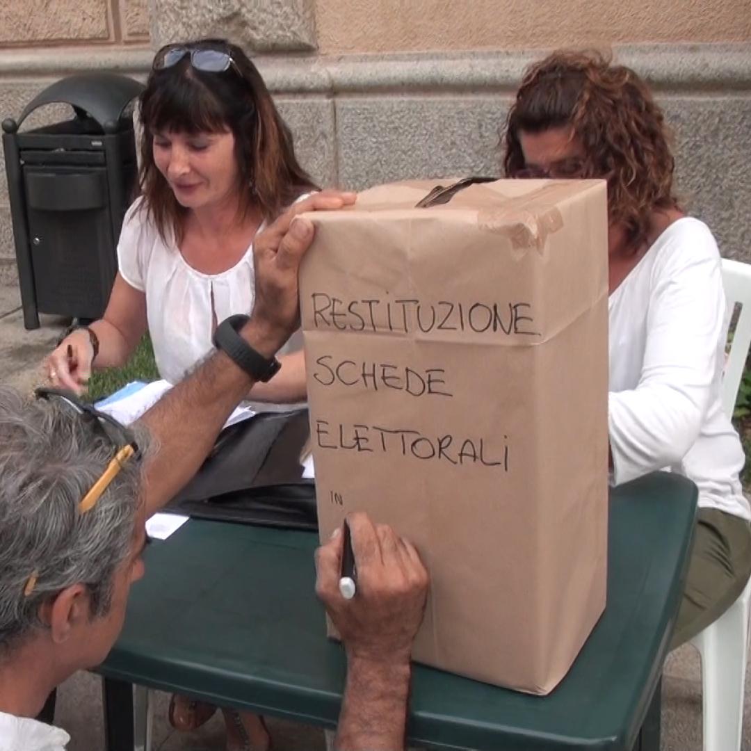 La Maddalena consegna le schede elettorali per salvare l'ospedale cittadino. Video appello.