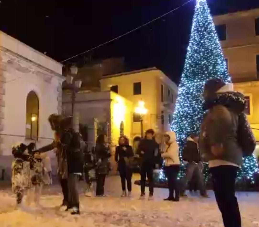 Neve e bambini a Natale!|