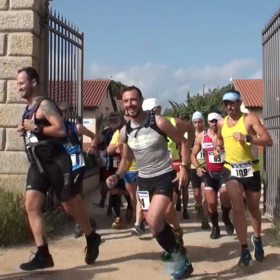 Sudore, spettacolo ed emozioni nella corsa più suggestiva dell'Arcipelago di La Maddalena.