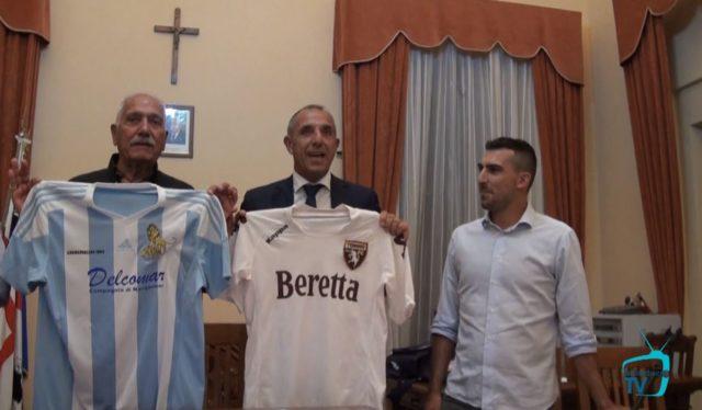 Gemellaggio Ilvamaddalena-Torino calcio.