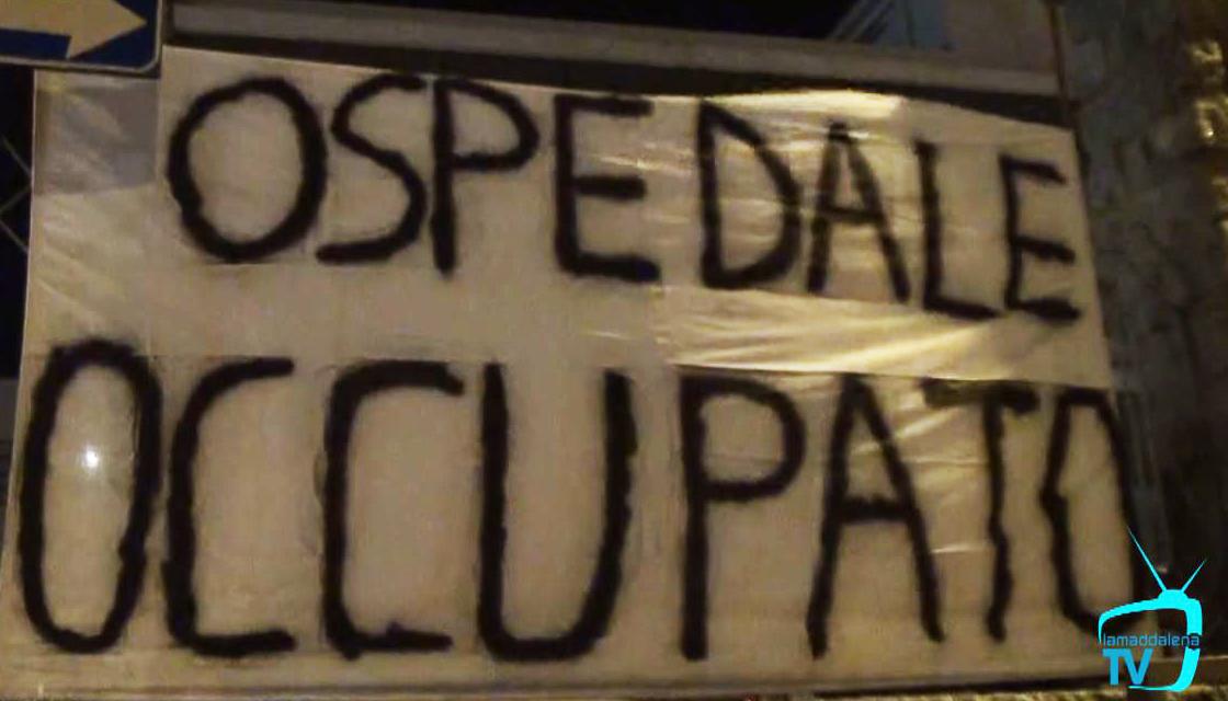 'Occupato l'ospedale di La Maddalena'