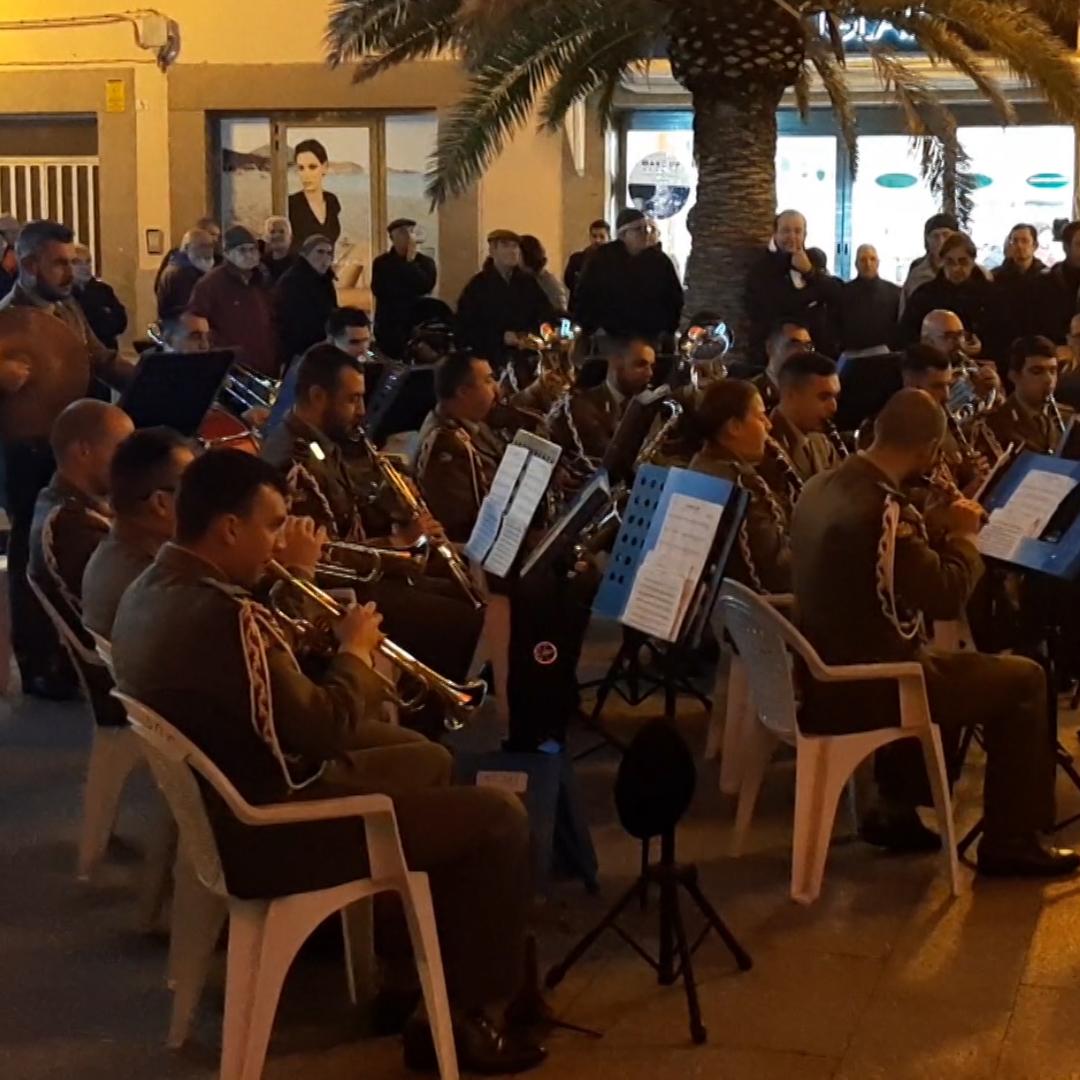 Concerto sotto l'albero per la Banda della storica Brigata Sassari